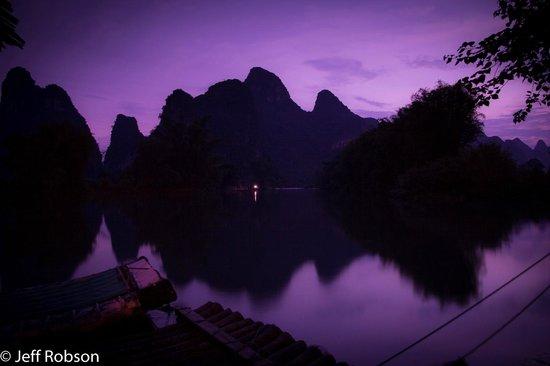 Yangshuo Mountain Retreat: Dusk