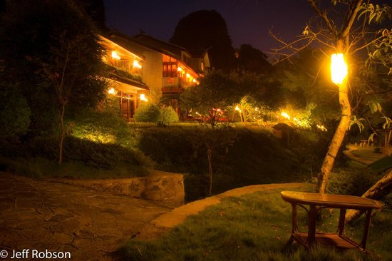 Yangshuo Mountain Retreat: Evening lights