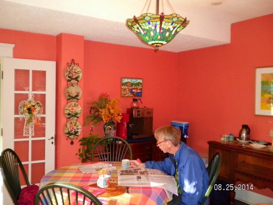 Coquina Inn B&B: Dining Room