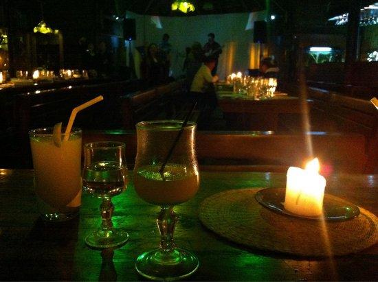 El chozon bar & grill: Una noche en El Chozon - Baños - Ecuador