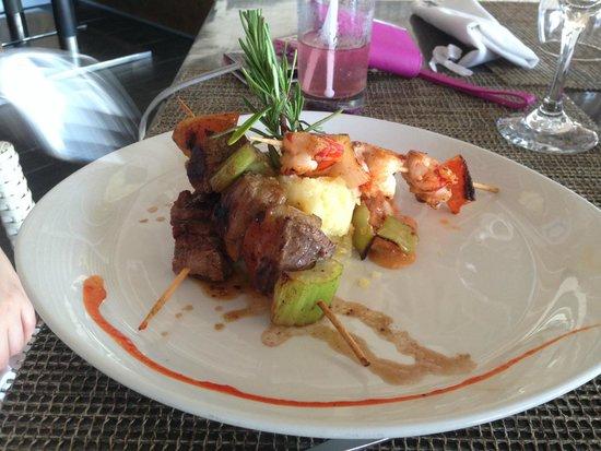 Meliá Caribe Tropical: Beef and Shrimp Satay