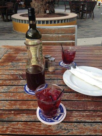 Renaissance Curacao Resort & Casino: Restaurante Salt & Pepper no Riffort: peça a Sangria, deliciosa!