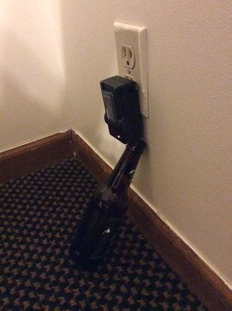 Lake Bluff Inn and Suites: electrical outlet
