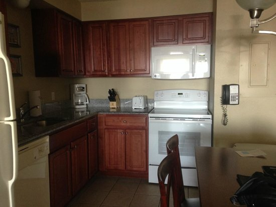 Wyndham Skyline Tower: kitchen (fully equipped)