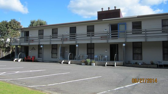 back units and parking picture of carrington motel new plymouth rh tripadvisor com