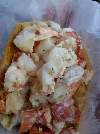 Erica's Seafood: Lobster Roll