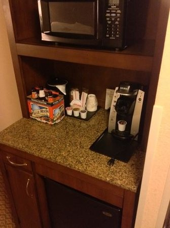 Hilton Garden Inn Elmira / Corning: mini fridge and microwave.  beer not included