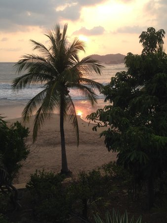 Club Med Ixtapa Pacific: Beach and sunset