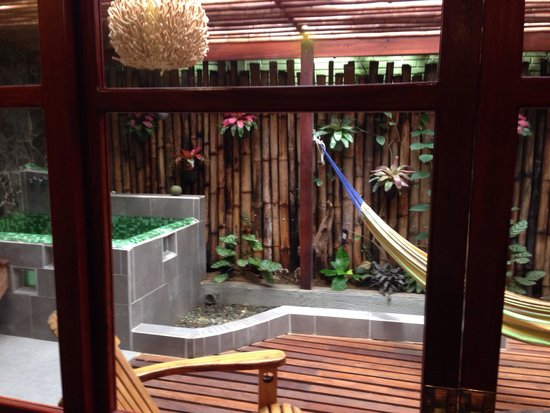 Hotel Banana Azul: Garden suite's bathroom