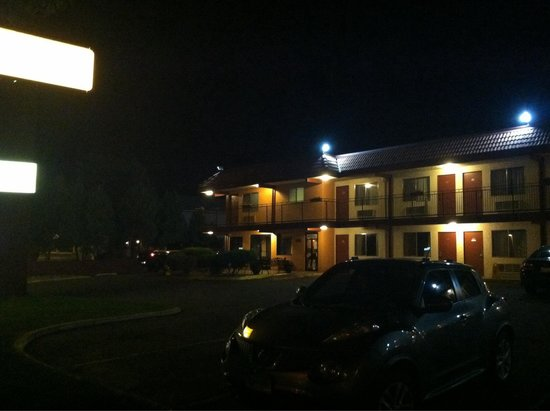 Mesa Inn Grand Junction : Well lit and clean