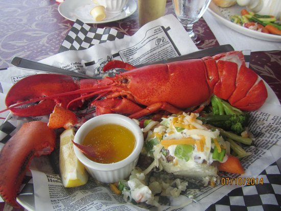 Admiral Digby Inn and Cottages: Delicious Lobster Special!