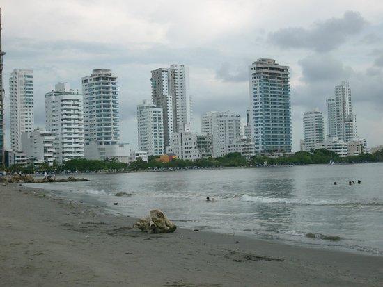 Hilton Cartagena: Playa del hotel