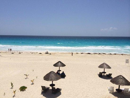 Hotel Casa Turquesa: Balcony overlooking the beach