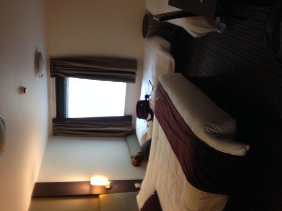 Premier Inn Bath City Centre Hotel: Room