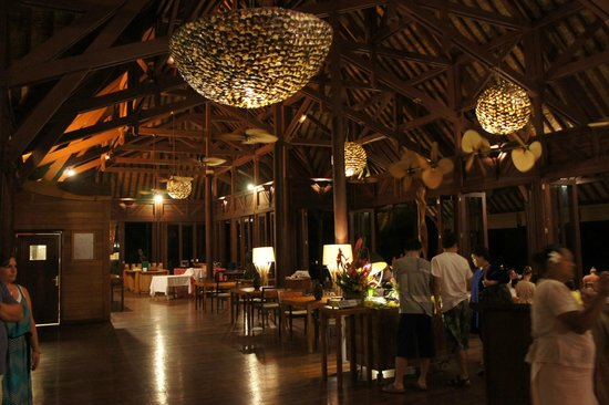 Hilton Bora Bora Nui Resort & Spa: IRIATAI。メインレストランです。