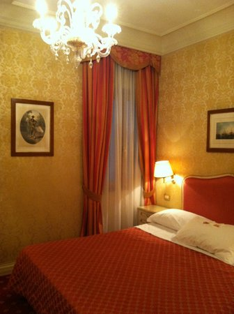 Hotel Antiche Figure: Room on the second floor.