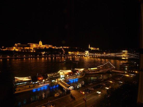 InterContinental Budapest: 部屋からの夜景