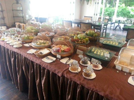 Ping Nakara Boutique Hotel & Spa: Breakfast buffet