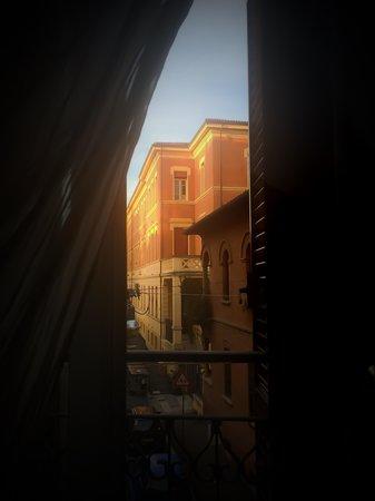 Il Convento dei Fiori di Seta: Утро в Болонье