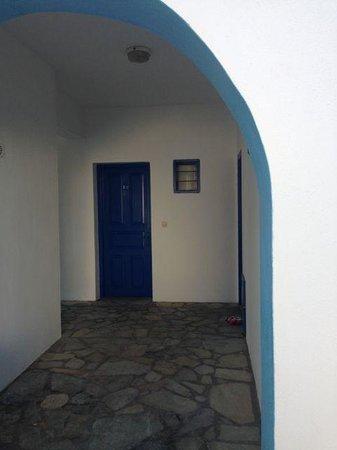 Studios Apartments Perivolos