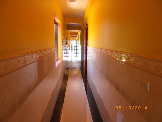 Hak's House Residence: Looking down the hallway