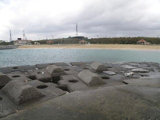 Uken Coast: 海側から浜を見る