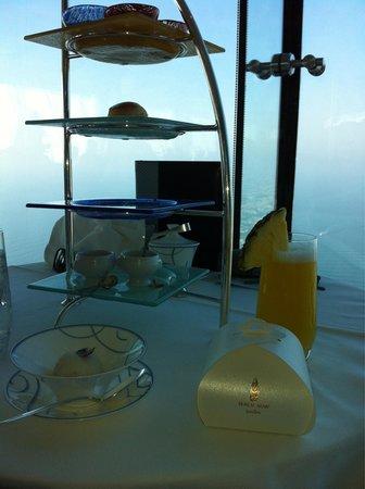 Burj Al Arab Jumeirah: Indilgent afternoon tea