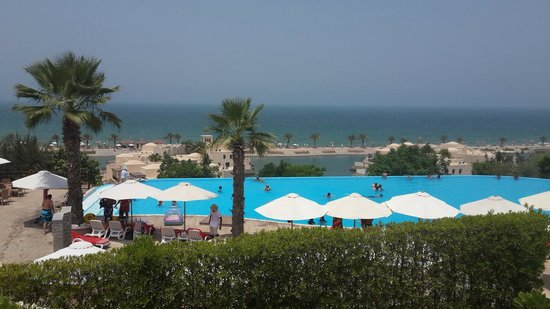 Cove Rotana Resort Ras Al Khaimah: Pool