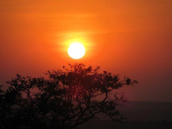 Lemala Kuria Hills Lodge : Sunset from tent