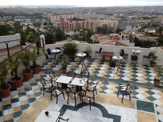 Hotel Villa Guadalupe : from the restaurant over the terrace to Malaga & the Mediterranean