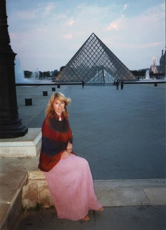 Musee du Louvre: Evening sets after a day at the Louvre