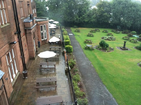 Premier Inn Liverpool (Roby) Hotel: outside from room