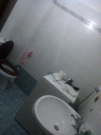 Politi Residence : Bathroom