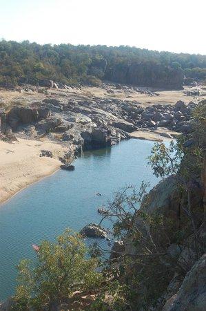 Gonarezhou National Park: Mwenezi river