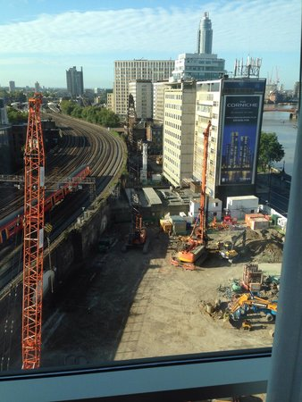 Park Plaza Riverbank London : Cranes trains and diggers