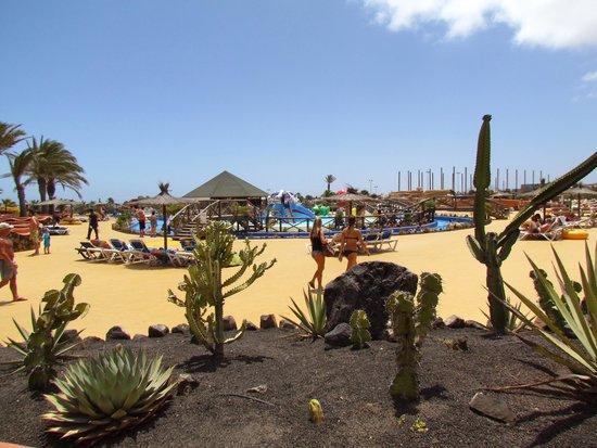 Acua Water Park: Widok na plac zabaw