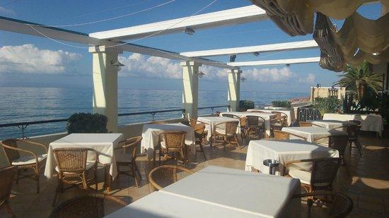 terrazza ristorante - Foto di Hotel Ristorante La Lampara ...