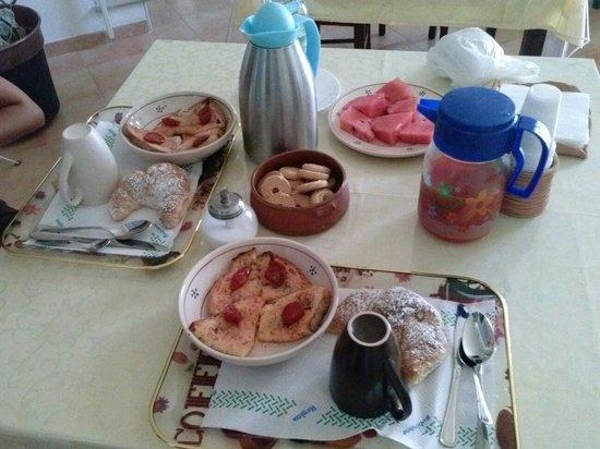 B&B Fiorentini : Che colazione!! Mitico signor Giovanni :)