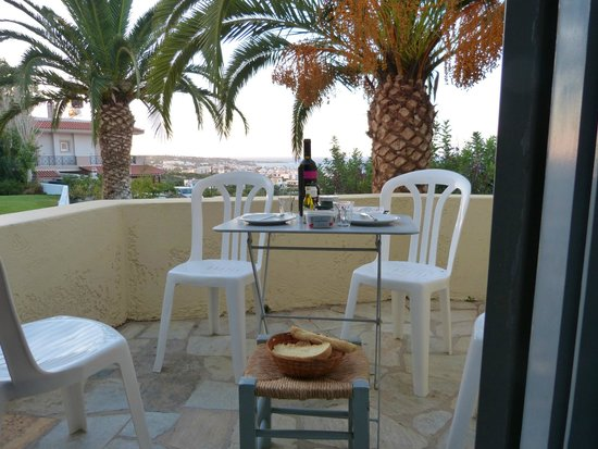 Galaxy Villas: Nachtessen auf Balkon mit super Aussicht