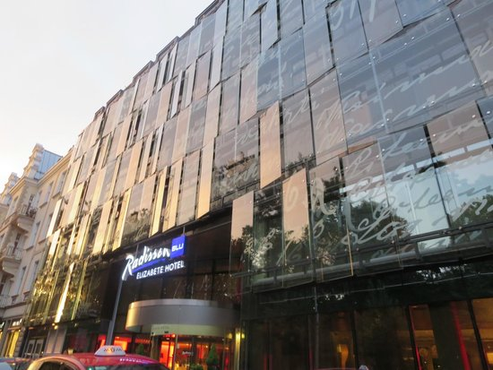 Radisson Blu Elizabete Hotel: 外観