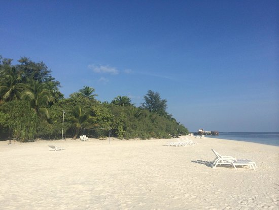 Adaaran Club Rannalhi: White sandy beach
