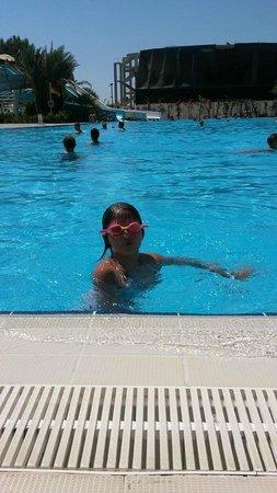 Euphoria Palm Beach Resort: aqupark havuzu