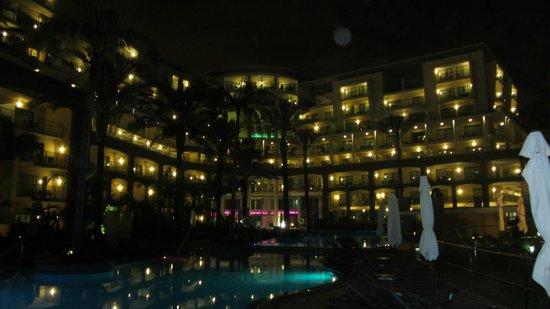 Pestana Promenade Ocean Resort Hotel : Pestana Promenade by night