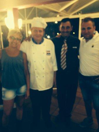Apartamentos Roc Cala d'en Blanes Beach Club: Super chef e super maître!!