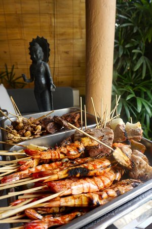 The Villas Bali Hotel & Spa : Completely blown away with this 'BBQ'