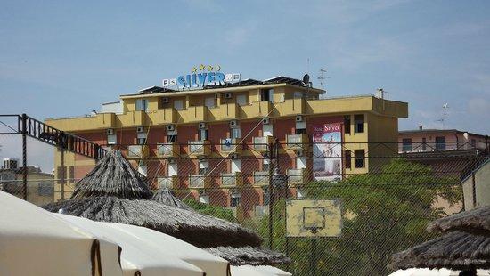 Silver Hotel: hotel visto dalla spiaggia