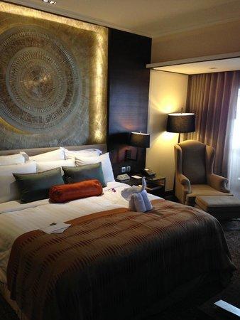 Anantara Riverside Bangkok Resort: Schlafzimmer