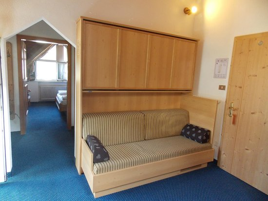 Hotel Royal Budroni: veduta stanza