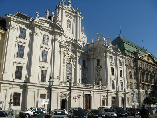 Historisches Zentrum von Wien: Eglise sur Am Hof, une des merveilleuses places de cette splendide ville.