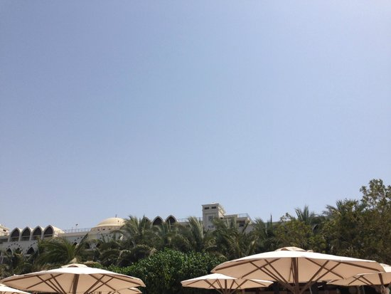 Jumeirah Zabeel Saray: Beach area